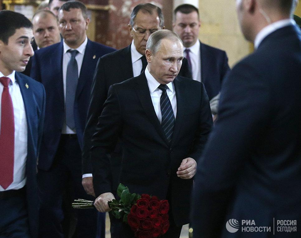 Президент РФ Владимир Путин на церемонии прощания с российским послом в Турции Андреем Карловым. 22 декабря 2016