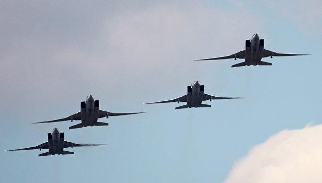 Дальние бомбардировщики-ракетоносцы Ту-22М3. Архивное фото