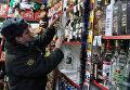 Рейд сотрудников полиции по выявлению и изъятию незаконно продаваемой алкогольной продукции