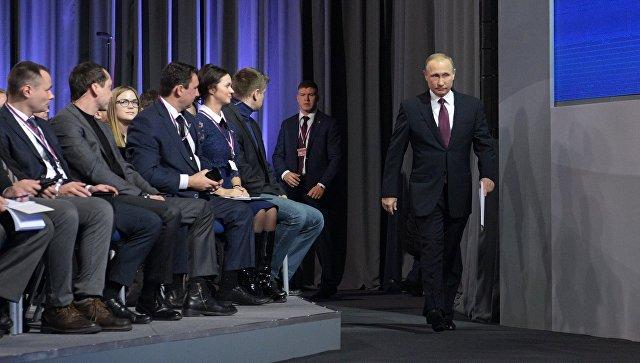 Вотношении экс-главы ФТС небыло дела— Путин