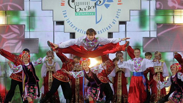 Наборту Ту-154 находился практически весь хор ансамбля имени Александрова