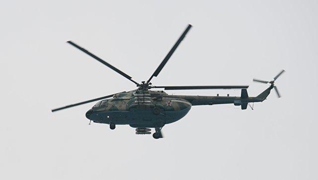 Вертолёт Ми-8, выполняющий поисково-спасательные работы у побережья Черного моря, где потерпел крушение самолет Минобороны РФ Ту-154