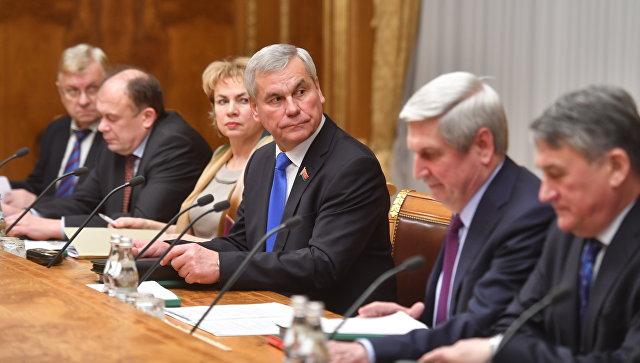 Председатель Палаты представителей Национального собрания Республики Беларусь Владимир Андрейченко на заседании Совета Парламентского Собрания