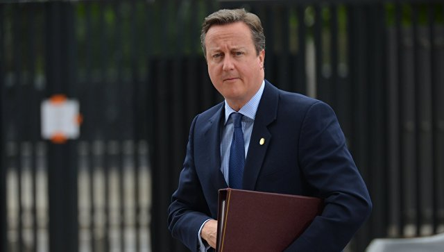 Экс-премьер Британии пошутил, что ему не надо больше прослушивать Трампа