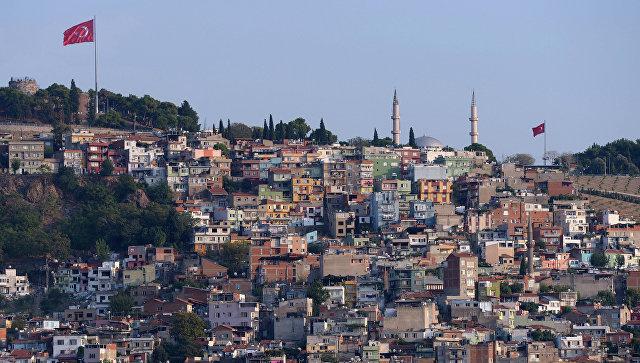 Вид на город Измир. Турция. Архивное фото