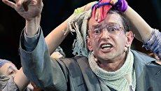 Актер Константин Хабенский в сцене из благотворительного детского мюзикла Поколение Маугли в рамках XIX ПМЭФ