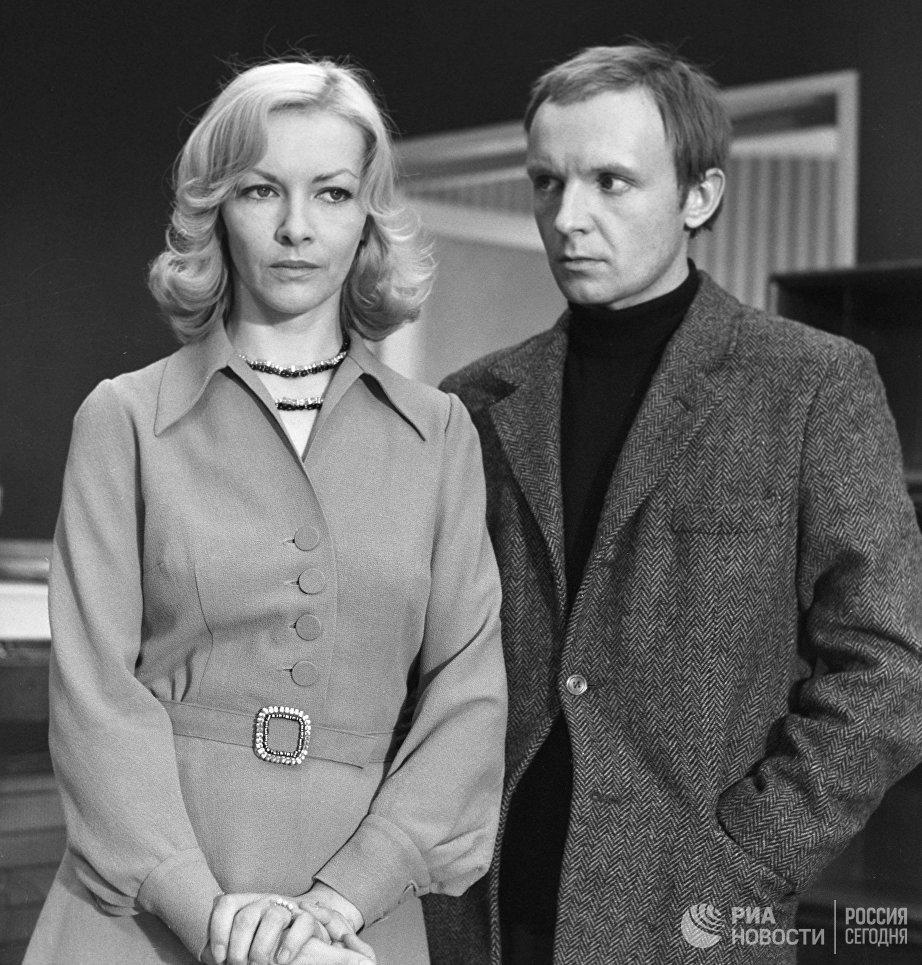 Актеры Барбара Брыльска и Андрей Мягков на съемках фильма Ирония судьбы