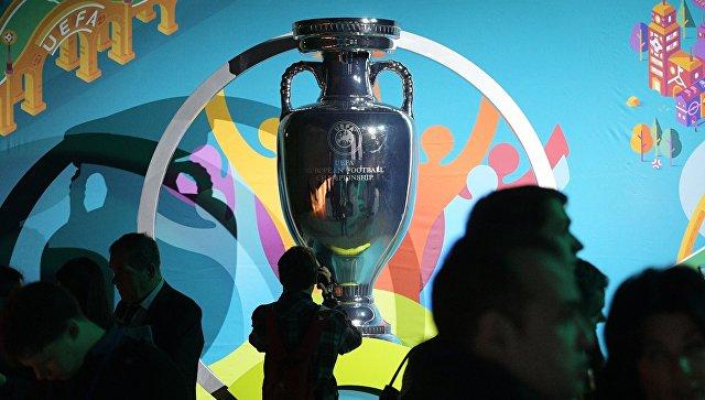 "Логотип представлен: Дворцовый мост ""соединил"" Санкт-Петербург с Евро-2020"