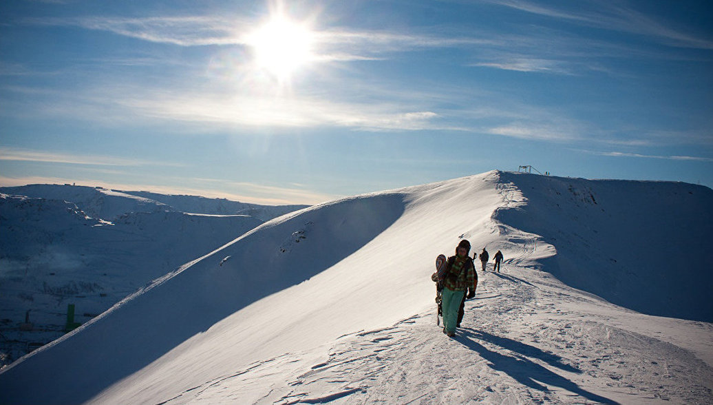Сноубордисты в Хибинах. Архивное фото