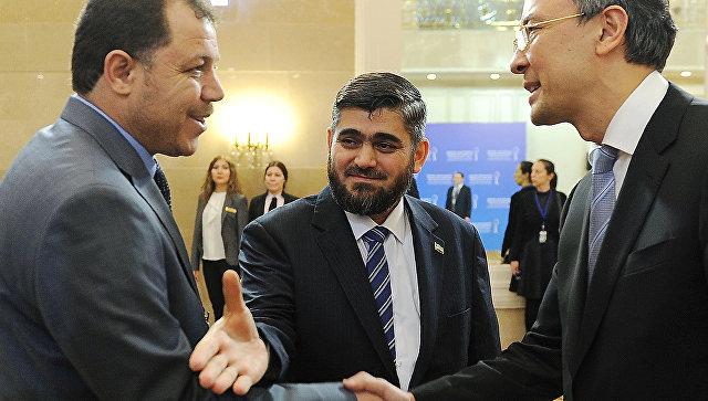 Один из руководителей вооруженной группировки Джейш аль-Ислам Мухаммед Аллюш на переговорах в Астане. Архивное фото