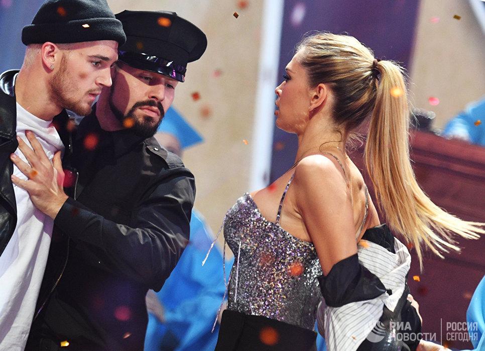 Сексапильная вера брежнева на съемках новогоднего шоу 2012