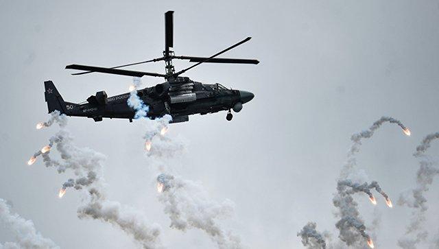 Под Псковом экипажи армейской авиации ЗВО отработали огневое прикрытие транспортно-штурмовых вертолетов