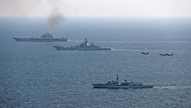 Британский корабль St Albans и самолеты британских ВВС сопровождают российские корабли Петр Великий и Адмирал Кузнецов