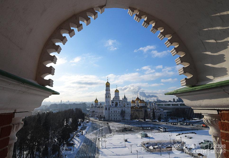 Московский Кремль (вид со Спасской башни)