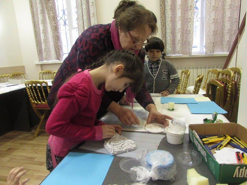 Дети на экскурсии в Музее истории религии.