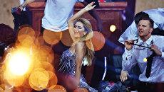 Певица Вера Брежнева на съемках новогодней программы на Первом канале