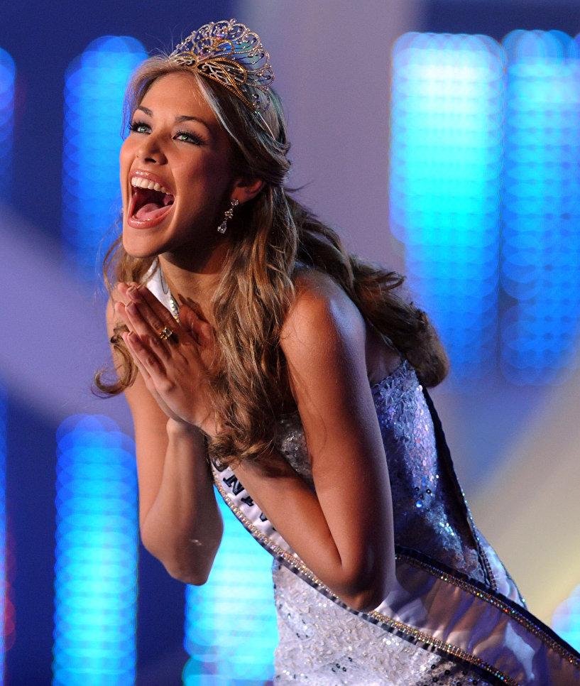 Дайана Мендоса - венесуэльская модель, обладательница титула Мисс Вселенная - 2008