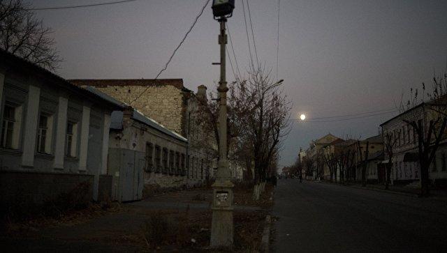Вид на одну из улиц в Луганске. Архивное