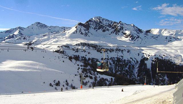 Вофранцузских Альпах лавина накрыла девять человек, есть погибшие