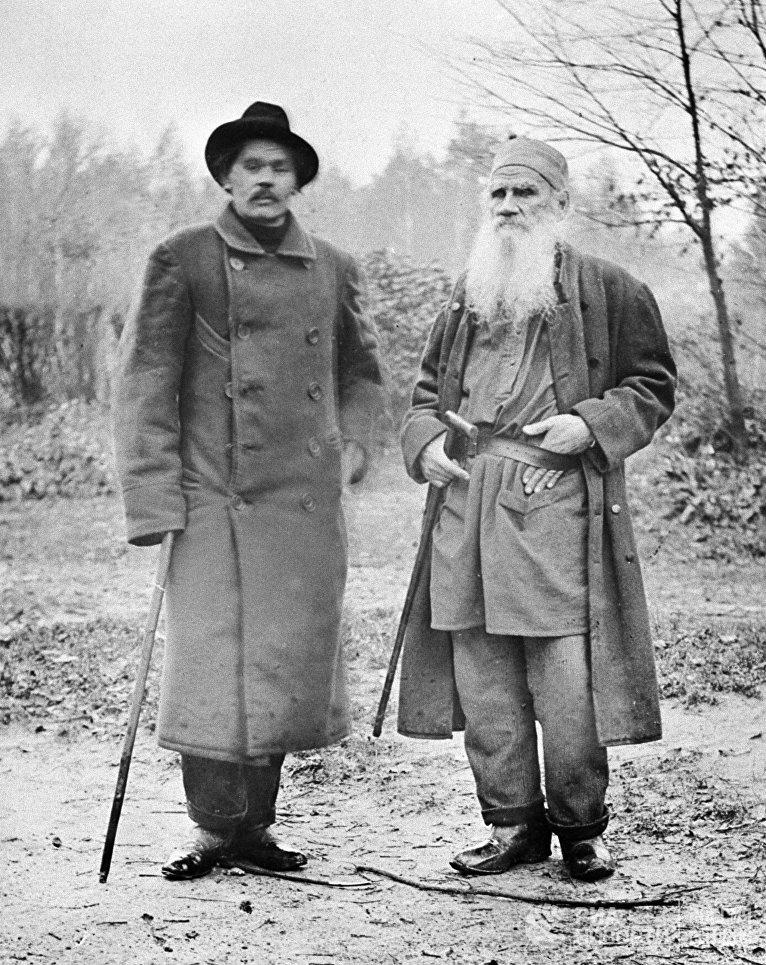 Максим Горький и Лев Толстой