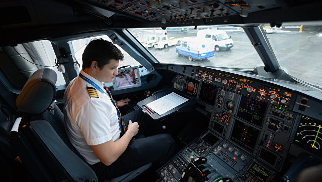 В кабине самолета А-321 авиакомпании Аэрофлот. Архивное фото
