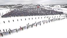 Десять тысяч спортсменов стартовали в гонке Лыжня России 2017. Съемка с дрона
