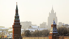 Московский Кремль и здание МИД. Архивное фото