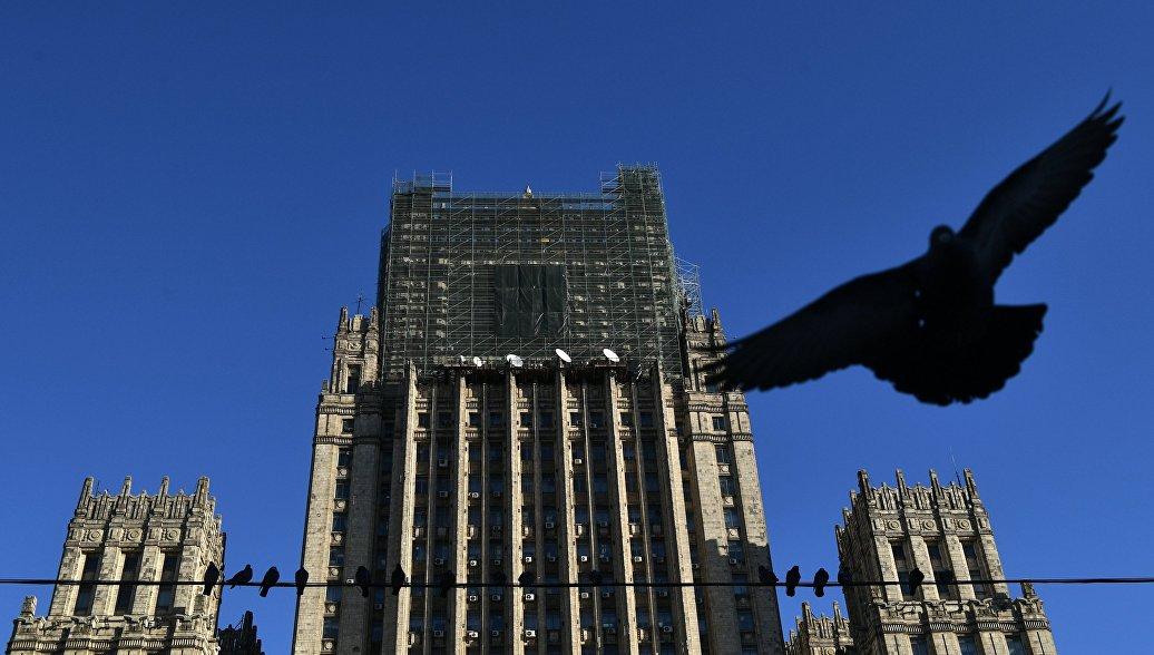 Politico: санкции только помогают Путину