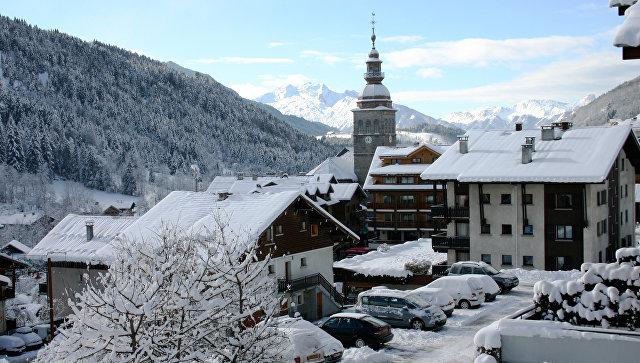Во французских Альпах, архивное фото