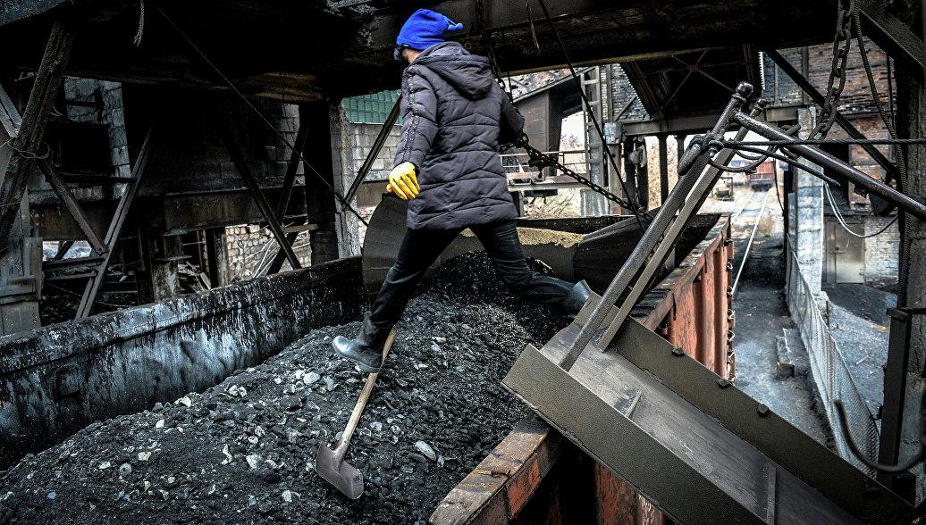 Минтранс ДНР: поставки угля заблокированы с целью давления на Киев