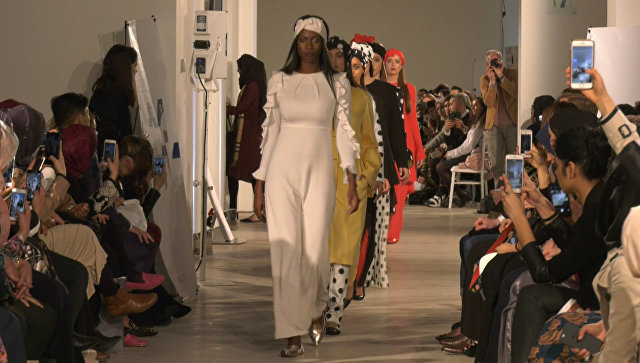 Наряды по исламским канонам - в Лондоне прошел показ мод для мусульманок