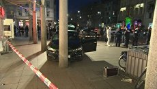 Криминалисты фотографировали место наезда машины на пешеходов в Гейдельберге