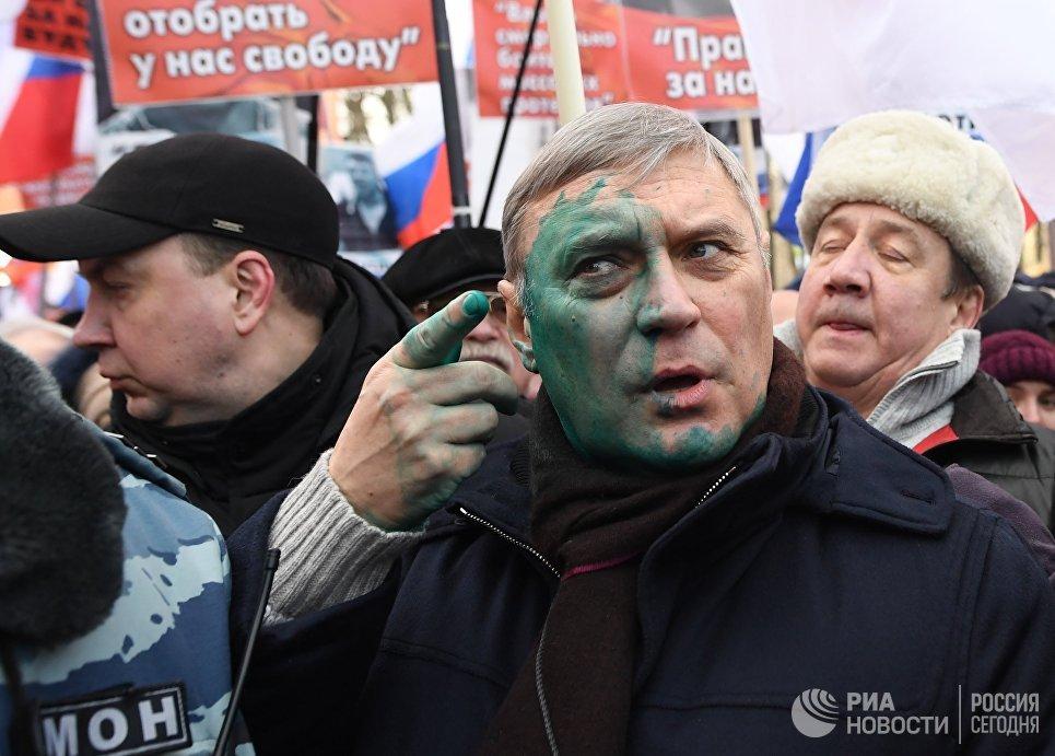 Председатель Партии народной свободы (ПАРНАС) Михаил Касьянов на марше памяти Бориса Немцова