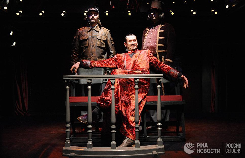 Сцена из спектакля Лев Гурыч Синичкин в Московском театре под руководством О. Табакова