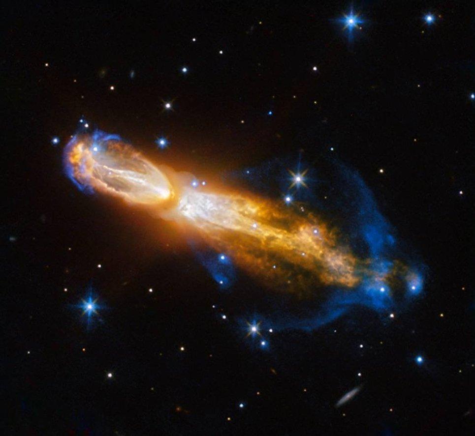 Снимок планетарной туманности Тухлое Яйцо, полученный телескопом Хаббл
