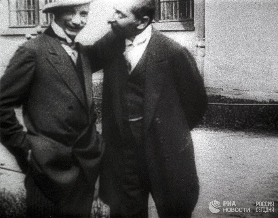 Монархисты и общественные деятели Василий Витальевич Шульгин и Павел Николаевич Крупенский