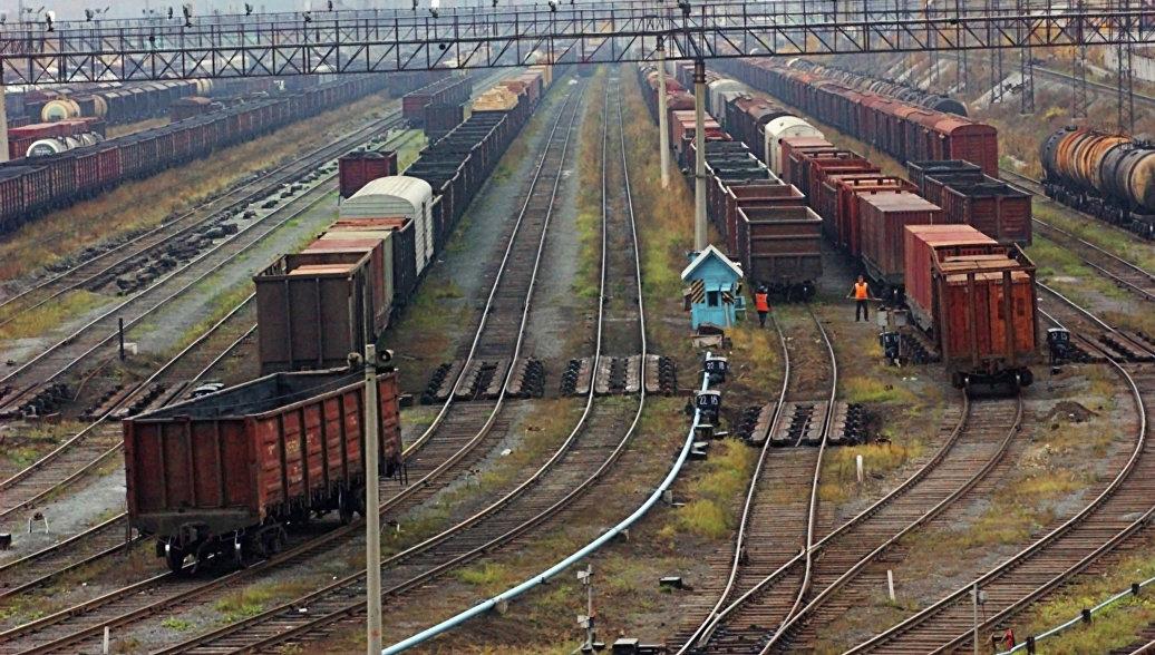 Грузовой поезд с Украины прибыл в Баку по маршруту в обход России