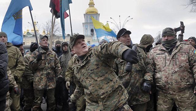 Украинские радикалы устроили драку намогиле поэта Тараса Шевченко