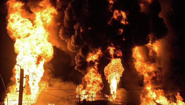 Нефтезавод полыхает вканадской провинции Альберта