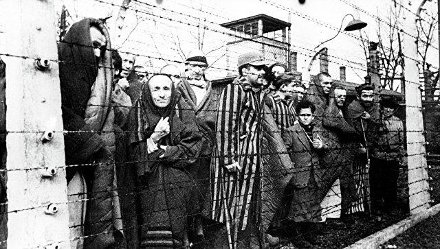 Вторая мировая война 1939 - 1945 годов. Узники Освенцима. Архивное фото