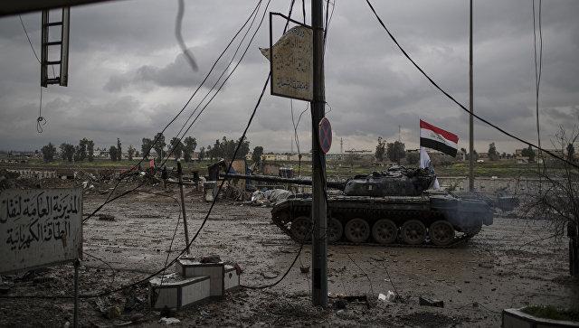 Танк Федеральной полиции Ирака в Мосуле. Архивное фото