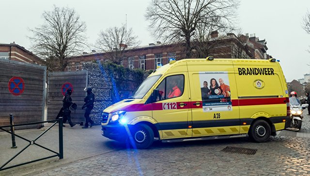 Полиция Бельгии во время спецоперации в брюссельском Моленбеке, 18 марта 2016. Архивное фото