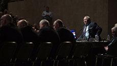 Президент Российской академии наук Владимир Фортов на общем собрании Российской академии наук в Москве. Архивное фото