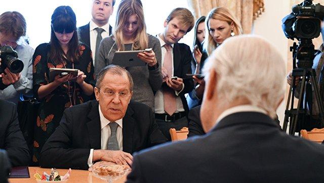 """В ООН назвали конструктивной встречу де Мистуры и Лаврова перед """"Женевой-5"""""""