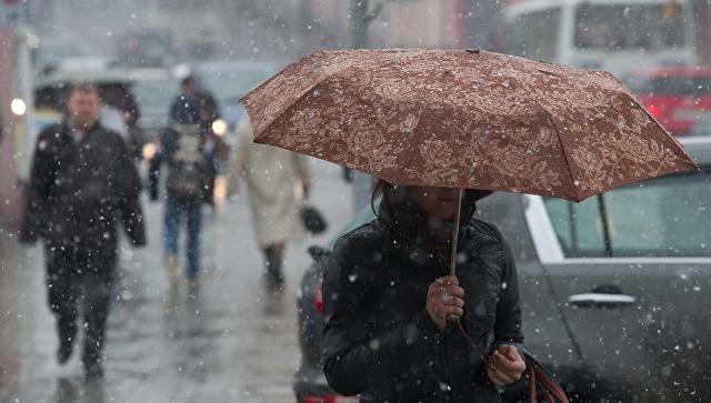 Холодная погода со снегом продержится в Москве до конца марта