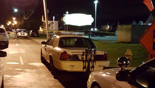 ВСША при стрельбе вночном клубе пострадали 14 человек, один умер