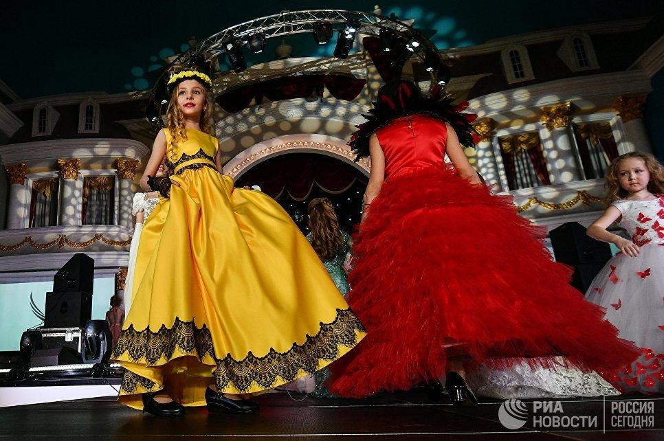 Юные участницы на финале Всероссийского конкурса Юная российская красавица 2017