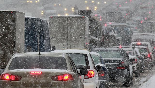 Сильный снегопад ,архивное фото