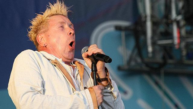 Прошлый вокалист Sex Pistols собрался подружиться сДональдом Трампом