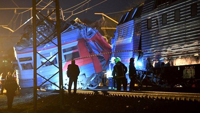 Столкновение пассажирского поезда и электрички на западе Москвы